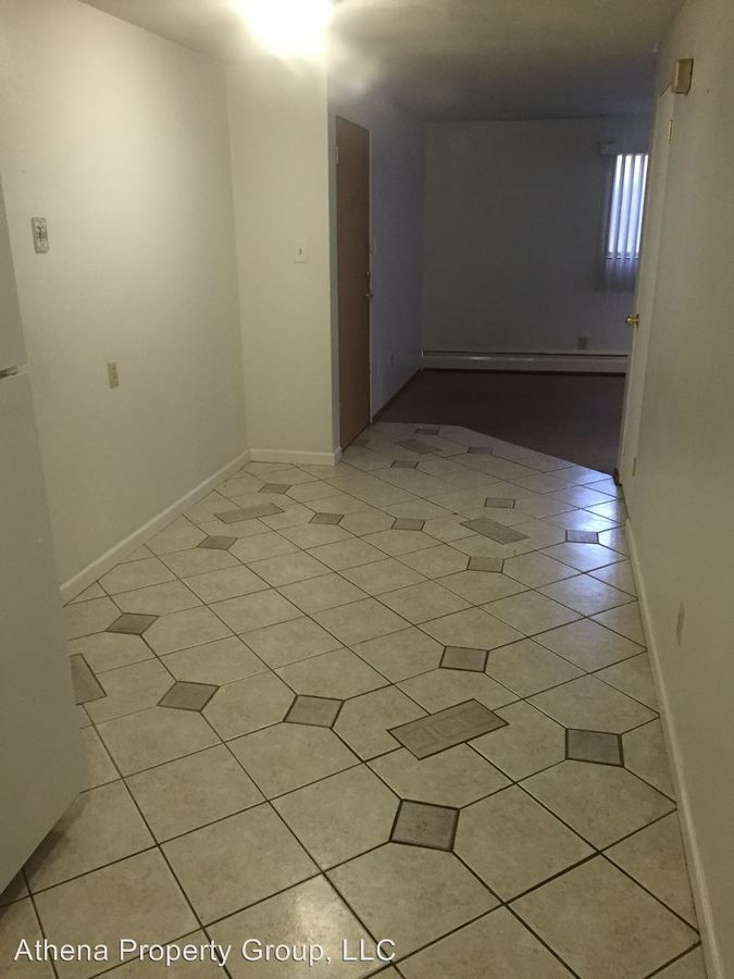 2 Bedrooms 1 Bathroom Apartment for rent at 333 N Frederick St in Cape Girardeau, MO