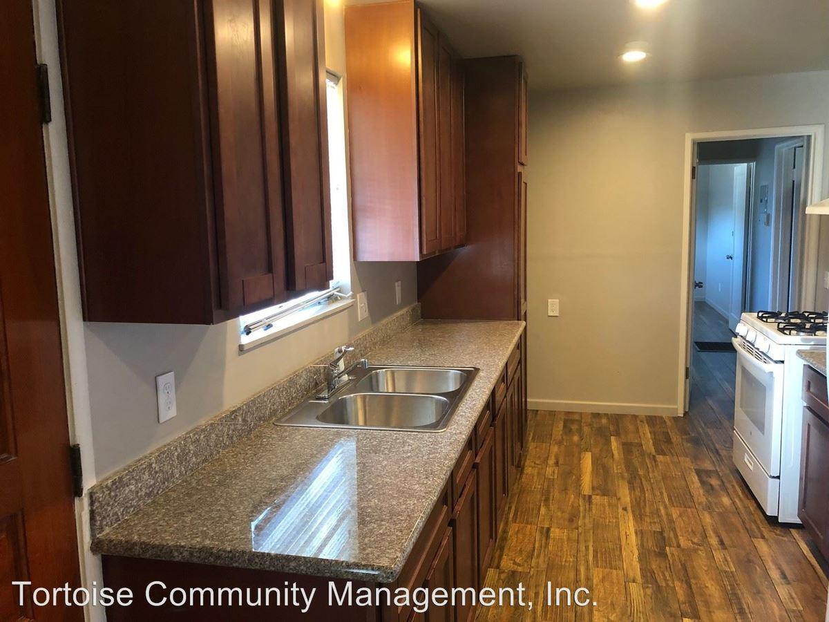 3 Bedrooms 1 Bathroom Apartment for rent at 22307-22321 S. Garden Avenue in Hayward, CA
