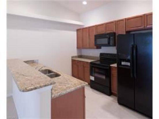 3 Bedrooms 2 Bathrooms Apartment for rent at 802 804 Se 6th Ct in Cape Coral, FL