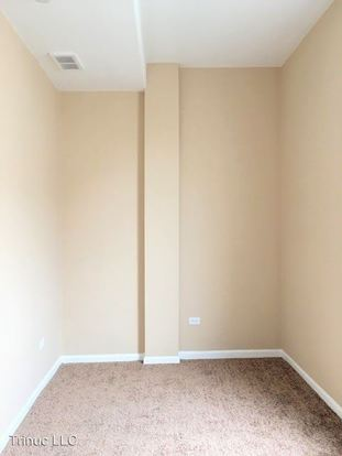 2 Bedrooms 1 Bathroom Apartment for rent at 1242 S Tripp Ave in Chicago, IL
