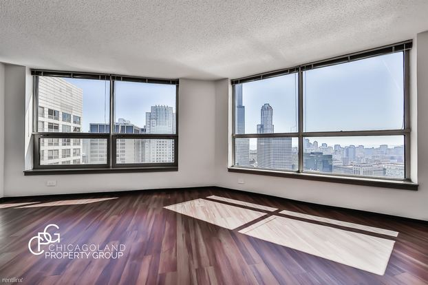 Studio 1 Bathroom Apartment for rent at Clinton in Chicago, IL