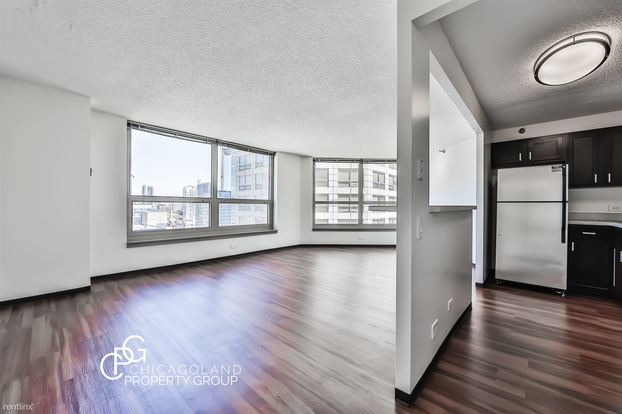 2 Bedrooms 2 Bathrooms Apartment for rent at Clinton in Chicago, IL