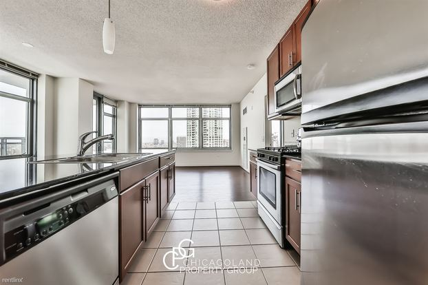 2 Bedrooms 2 Bathrooms Apartment for rent at Kenzie in Chicago, IL