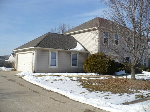4 Bedrooms 2 Bathrooms Apartment for rent at 3940 Sunshine Ave in Indianapolis, IN