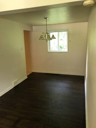 2 Bedrooms 1 Bathroom Apartment for rent at Elias Drive Commons in Pittsburgh, PA
