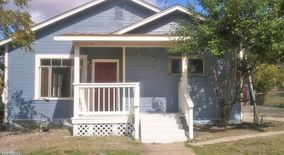 Similar Apartment at 907 Iowa St