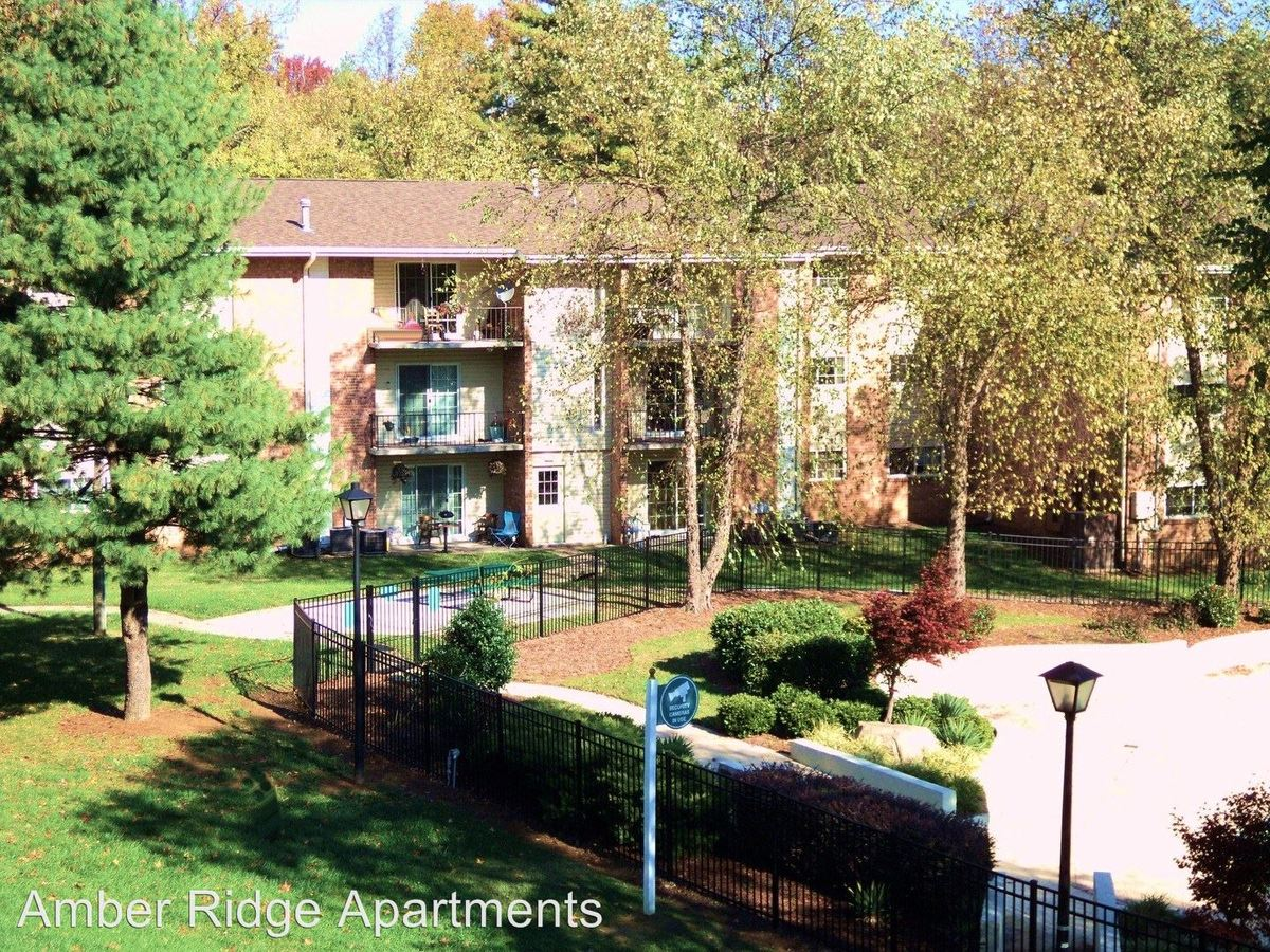 Wondrous 3200 F Lawndale Dr Greensboro Nc Apartment For Rent Beutiful Home Inspiration Xortanetmahrainfo