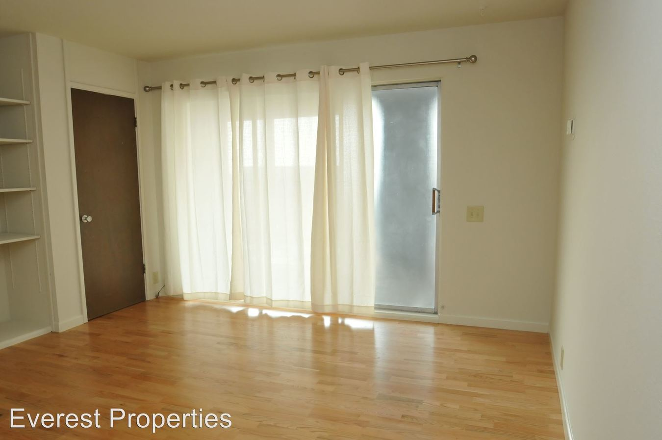1 Bedroom 1 Bathroom Apartment for rent at 2025 Durant Ave. in Berkeley, CA