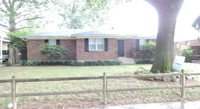 Similar Apartment at 5029 Woodlark Ave Memphis Tn 38117