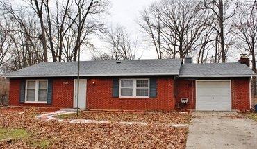 Similar Apartment at 7036 Tina Dr Indianapolis, In 46214