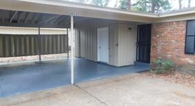 Similar Apartment at 4816 Bridgedale Ave