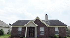 Similar Apartment at 4535 Longtree Ave