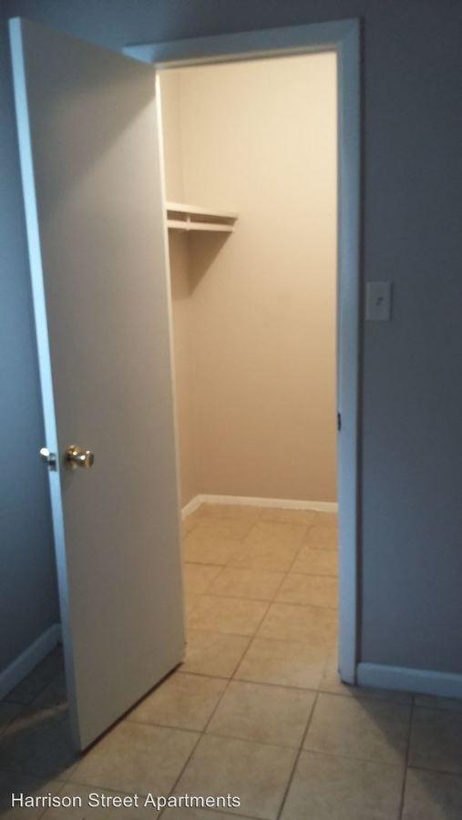1307 Sw Harrison St Topeka, KS Apartment for Rent