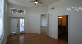 Similar Apartment at 3809 S. Congress