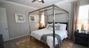 Similar Apartment at 4301 Grand Avenue Parkway