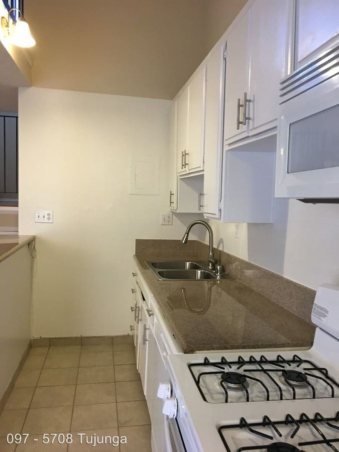 1 Bedroom 1 Bathroom Apartment for rent at 5708 Tujunga Ave. in North Hollywood, CA