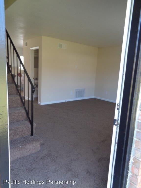 2 Bedrooms 1 Bathroom Apartment for rent at 661 Sherwood Drive in Jonesboro, GA