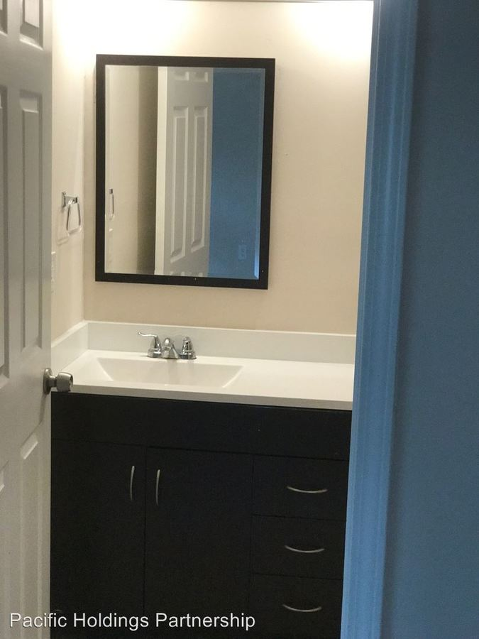 2 Bedrooms Bathrooms Apartment For Rent At 5271 W Fayetteville Road In College Park