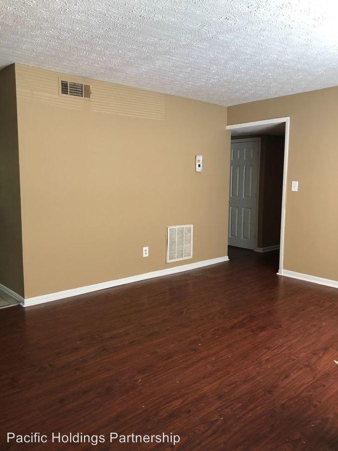 3 Bedrooms 2 Bathrooms Apartment for rent at 2905 Springdale Road Sw in Atlanta, GA