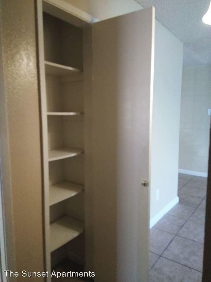 2 Bedrooms 1 Bathroom Apartment for rent at 4401 Belle Terrace in Bakersfield, CA