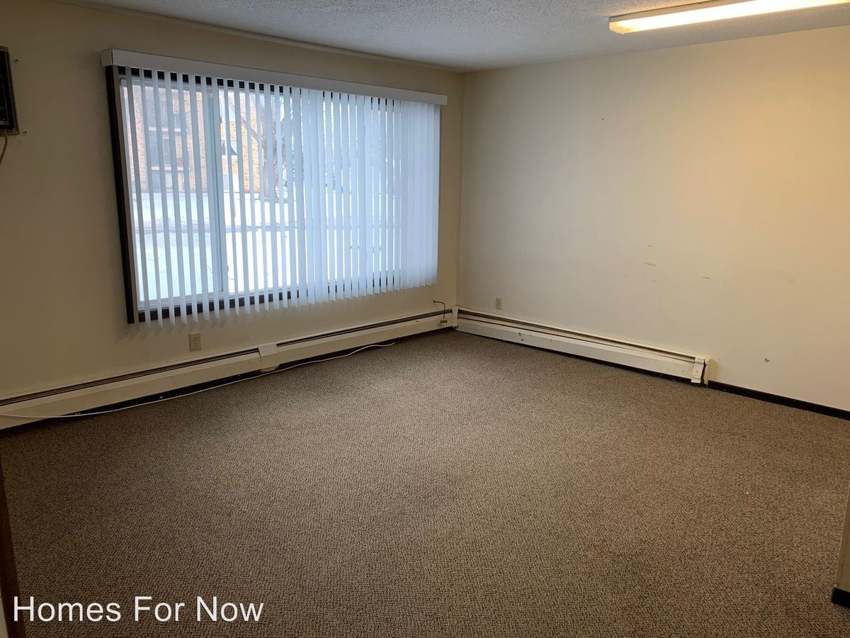 2 Bedrooms 1 Bathroom Apartment for rent at 1094 Waterloo Ave in West St Paul, MN