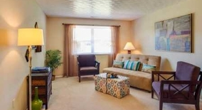 Similar Apartment at Floral Cir S