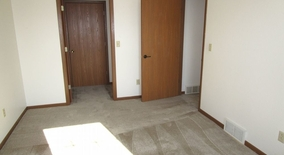 Logan Dr Apartment for rent in Oshkosh, WI