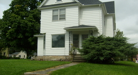 E Elm St Apartment for rent in Sycamore, IL
