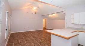 Elmwood Ave Apartment for rent in Warwick, RI
