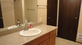 Northeast 193th Pl Apartment for rent in Kenmore, WA