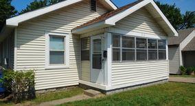 Similar Apartment at 818 N Utica