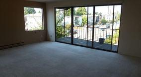 Similar Apartment at 11254 Greenwood Ave N