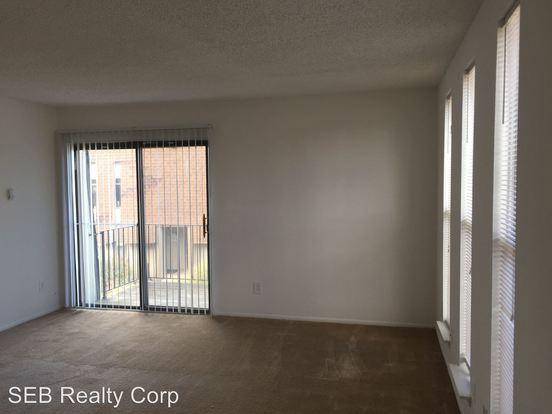 2 Bedrooms 1 Bathroom Apartment for rent at 1990 Laurel Road in Lindenwold, NJ
