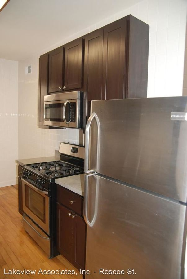4 Bedrooms 2 Bathrooms Apartment for rent at 1535 W. Addison in Chicago, IL