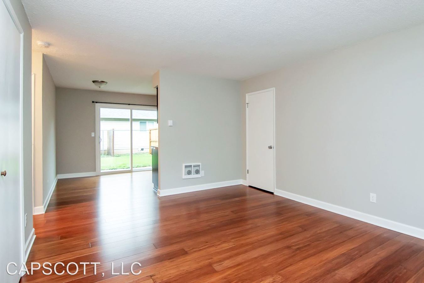 2 Bedrooms 1 Bathroom Apartment for rent at 12702 E. Burnside St. in Portland, OR