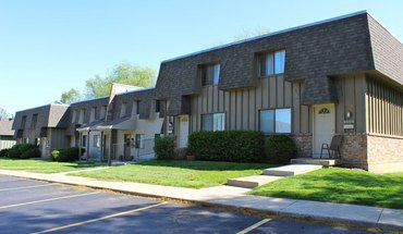 Similar Apartment at Knollwood Apartments