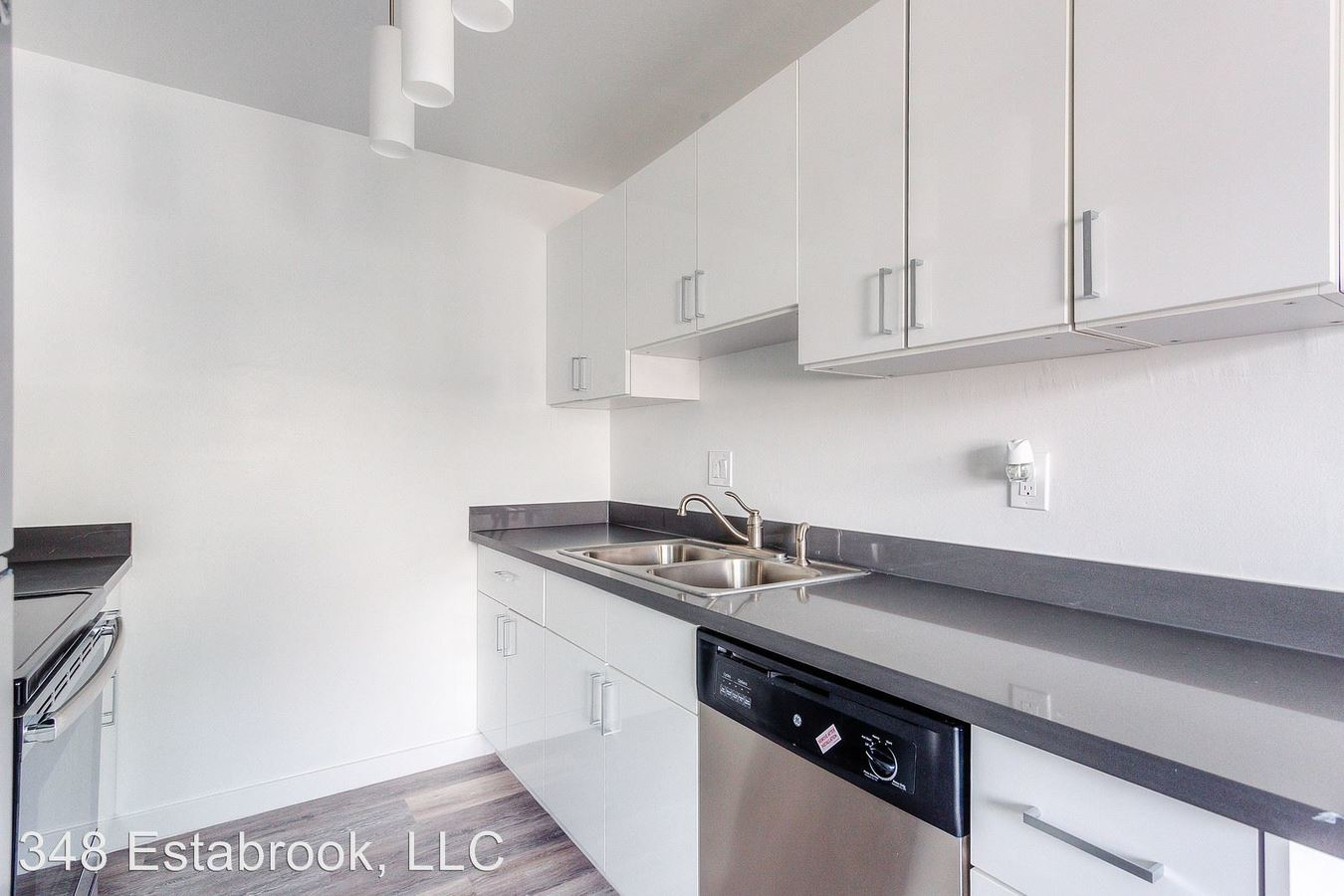 2 Bedrooms 1 Bathroom Apartment for rent at 348 Estabrook in San Leandro, CA