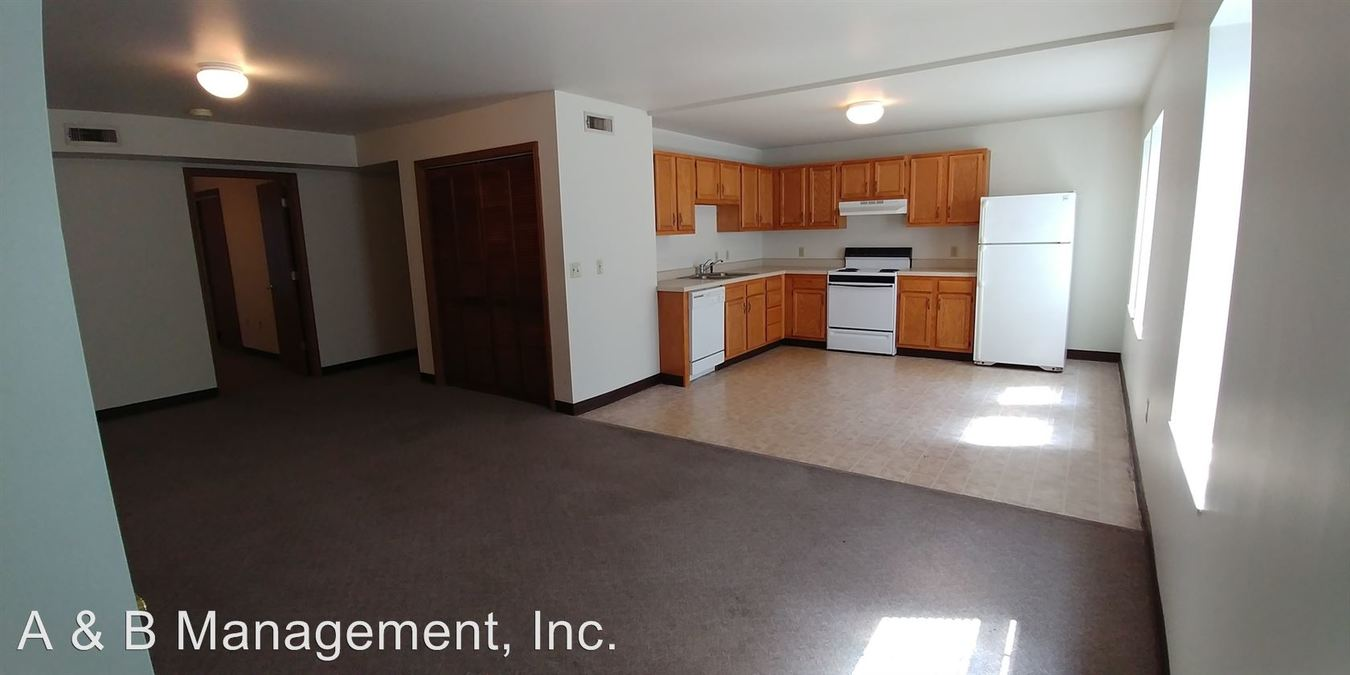3 Bedrooms 1 Bathroom Apartment for rent at 915 Richmond Avenue in Columbia, MO