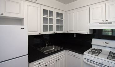 Beautiful Renovated Studio Apartment In Luxury Building Parking Extra /port Chester