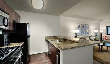 Immaculate Pet Friendly 1 Br 1.5 Bath With Parking In White Plains