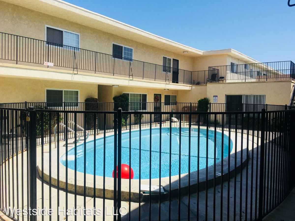 1 Bedroom 1 Bathroom Apartment for rent at 24817 Walnut St in Newhall, CA