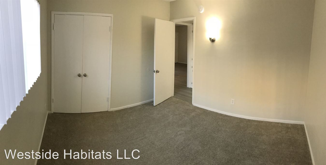 2 Bedrooms 1 Bathroom Apartment for rent at 24842-54 Newhall Ave in Newhall, CA