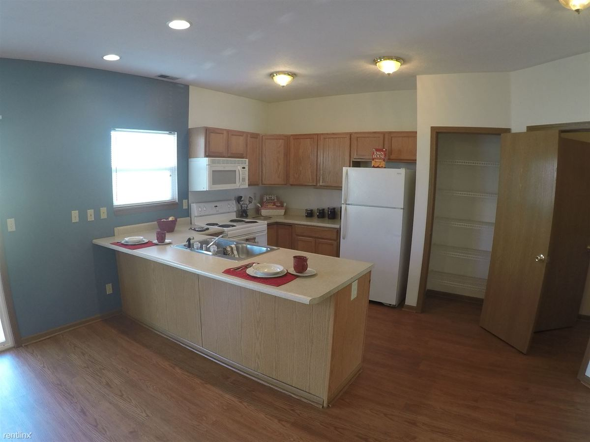 2 Bedrooms 1 Bathroom Apartment for rent at Crosspoint Apartments in Lafayette, IN