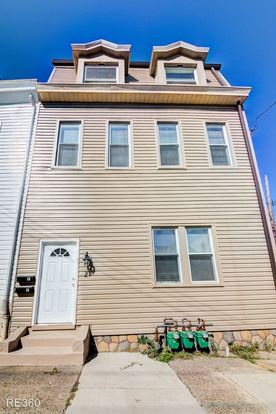 1 Bedroom 1 Bathroom Apartment for rent at 21 Mt. Oliver St. in Pittsburgh, PA