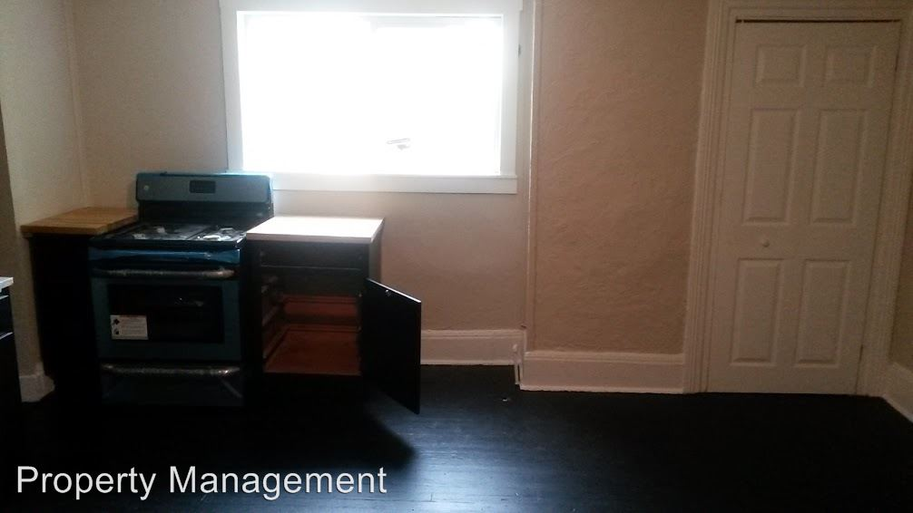 2 Bedrooms 1 Bathroom Apartment for rent at 35 Mt Oliver in Pittsburgh, PA