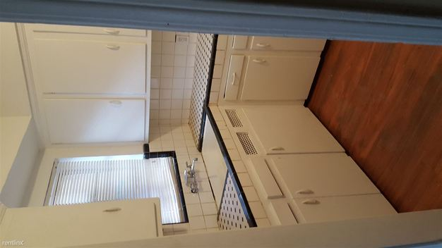 2 Bedrooms 1 Bathroom Apartment for rent at West Boston Apartments in Detroit, MI