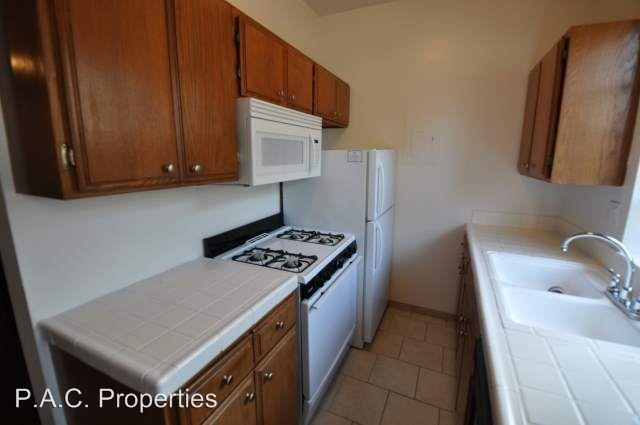 1 Bedroom 1 Bathroom Apartment for rent at 12142-50 Oxnard St in Valley Village, CA