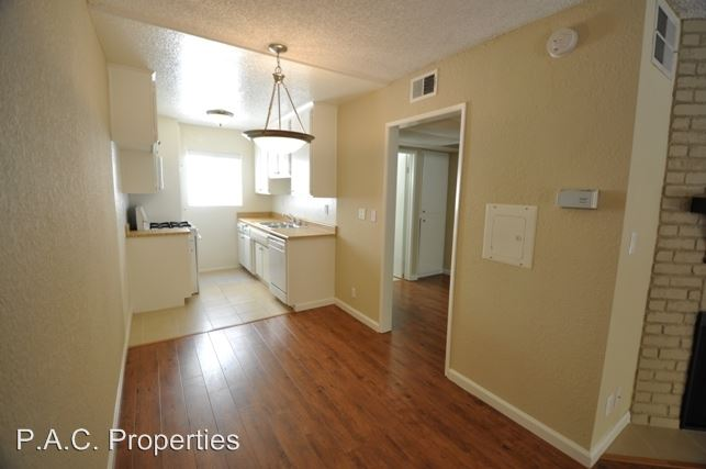 Studio 1 Bathroom Apartment for rent at 11045 La Maida Street in North Hollywood, CA