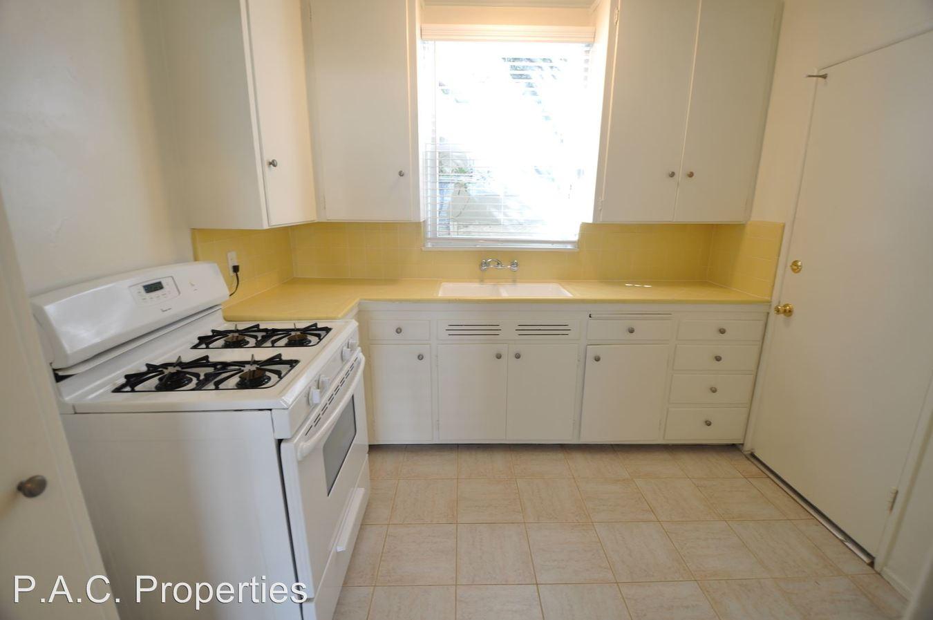 1 Bedroom 1 Bathroom Apartment for rent at 14830 Dickens Street in Sherman Oaks, CA