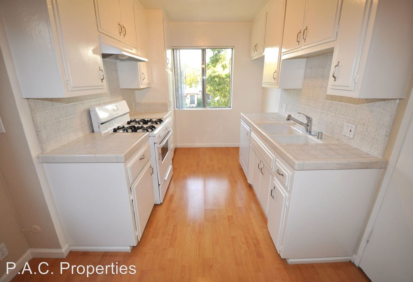 2 Bedrooms 2 Bathrooms Apartment for rent at 10745 Hortense Avenue in North Hollywood, CA